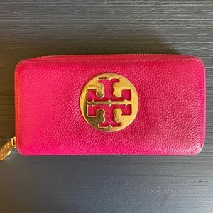 Tory Burch Zip Continental Wallet in Hot Pink